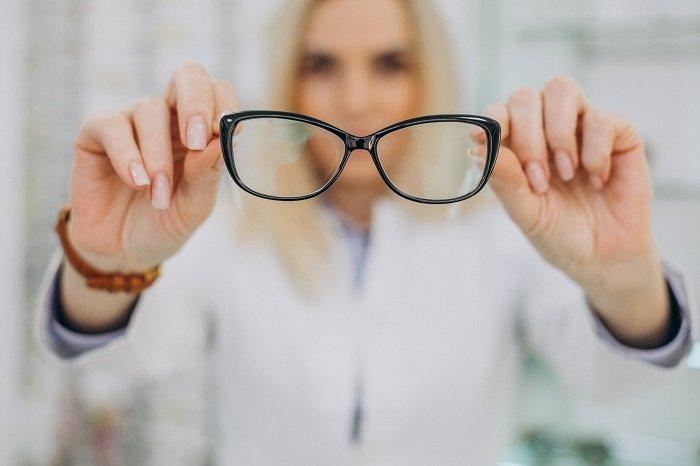 como cuidar los lentes para que no se rayen